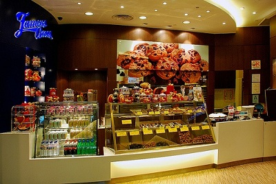 ... truly Famous Amos Cookies stores have become a one-stop gift shop for the gift hunter looking for a unique quality gift that truly makes it a pleasure ...