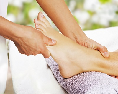 Foot Reflexology + Shoulder Massage