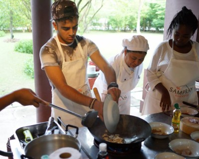 Traditional Organic Thai Cooking Class with Lunch or Dinner